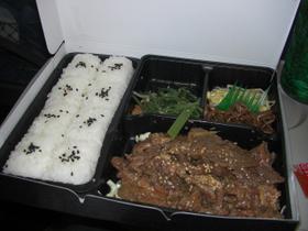 名古屋発焼肉弁当(中身)