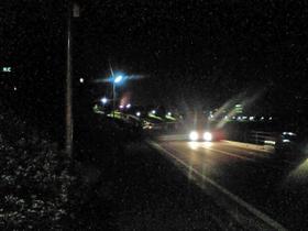 寒くて暗い道