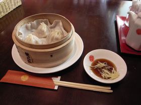 上海湯包小館のアスパラ炒飯セットの小龍湯包