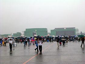 大雨の中の展示風景