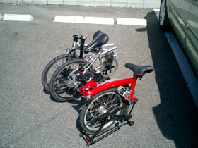 DAHON_and_BROMPTON_040410.jpg