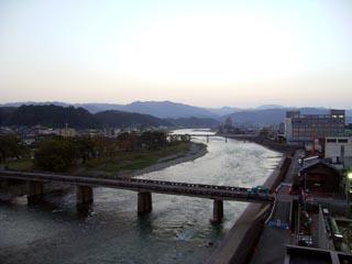 Hitoyoshi1_041101.jpg