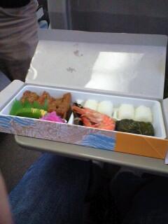 紀伊勝浦駅「マグロステーキ弁当」